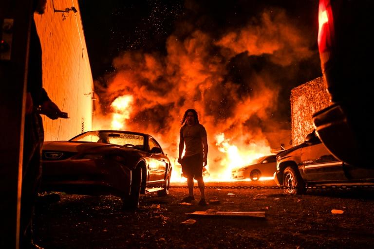 Minessotta riots fire